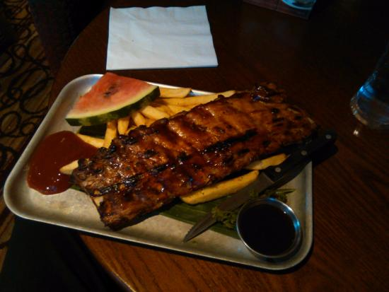 Kidlington, UK: Full rack of ribs