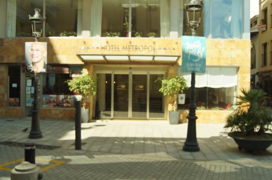 Hotel Metropol: парадный вход