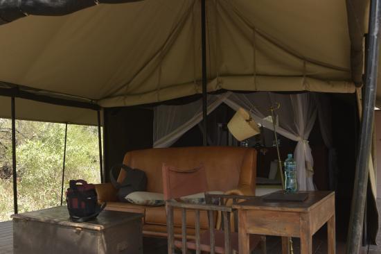 Частный заповедник Маньелети, Южная Африка: tent sitting area