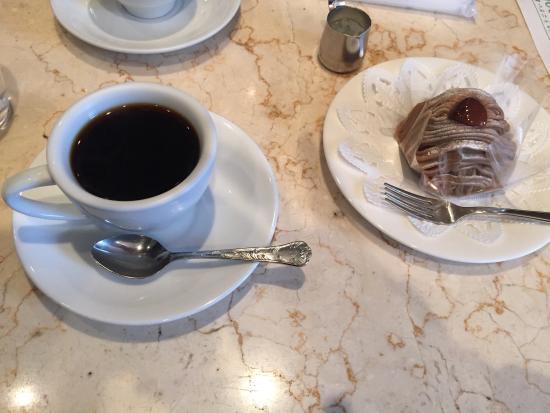の 喫茶店 この辺 『コメダ珈琲店』に激似! 練馬のローカル喫茶『ミヤマ珈琲』が天国のような店だった