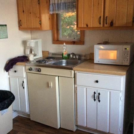White Oak Motel & Cottages: Kitchenette