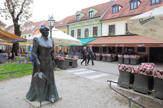 Statue of Marija Juric Zagorka