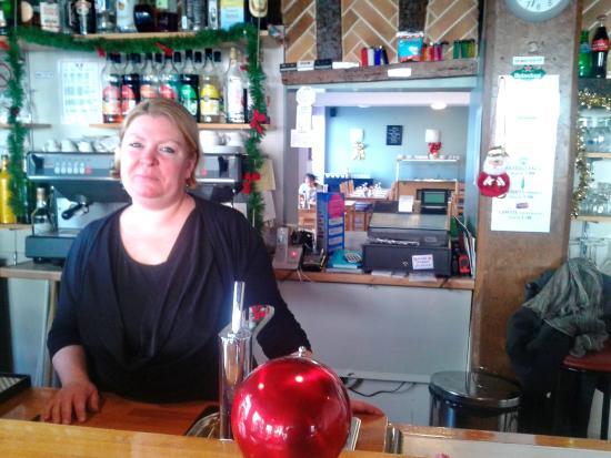Restaurant Des Deux Places : l'aimable patronne du restaurant
