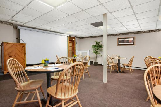 Days Inn Harrisonburg : Function Room