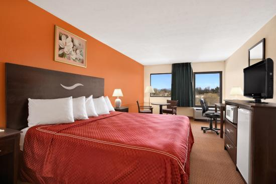 Days Inn Harrisonburg: King Room