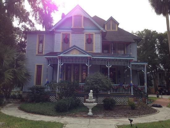 Seven Sisters Inn: photo2.jpg