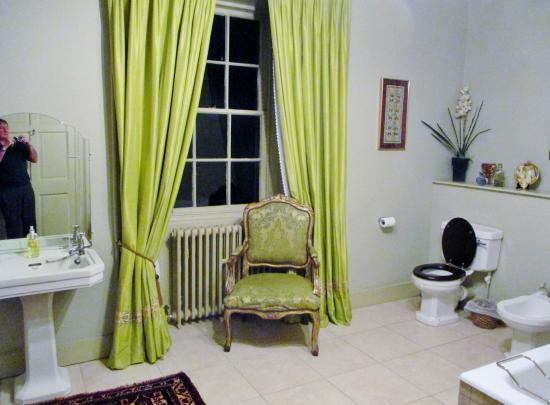 Portsoy, UK: Silk bathroom