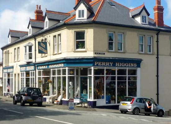 Perry Higgins Antiques