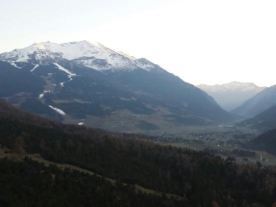 https://media-cdn.tripadvisor.com/media/photo-s/09/b0/de/ae/terme-di-bormio-bagni.jpg