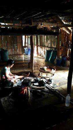 Golden Triangle Tours - Day Tours: Hill Tribe Villages : Hill Tribe Day Trek with The Golden Triangle Tous Company