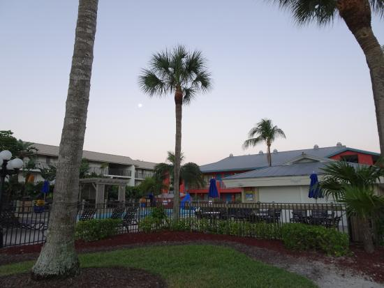 Sanibel Island Hotels: VVM-VOP@HolidayInn-Sanibel-Beach