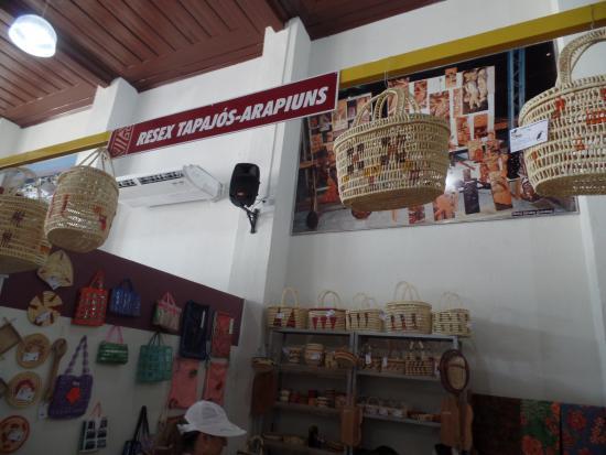 Cristo Rei - Centro De Artesanato do Tapajós: Separado por comunidades