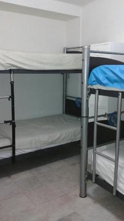 Moloch Hostel y Suites: 20151122_233509_large.jpg