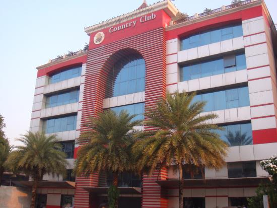 Oyo 1410 Country Club Begumpet Hotel Front View