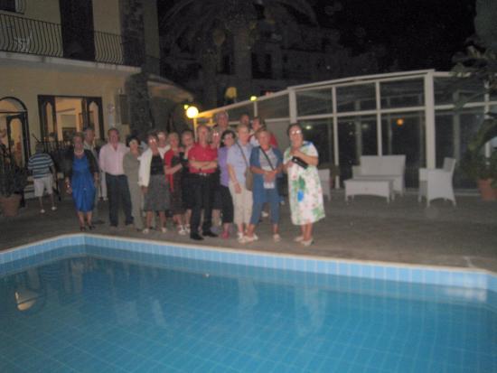 Hotel Terme Principe : foto di gruppo a bordo piscina