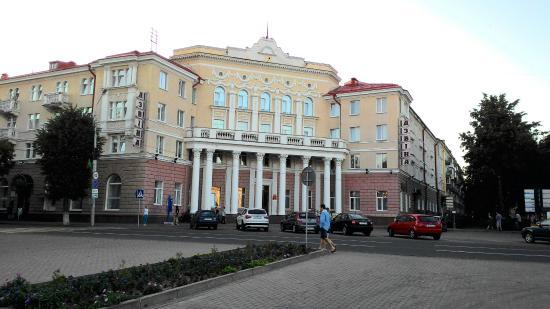 Hotel Dvina -ポラツク-【 口コ...