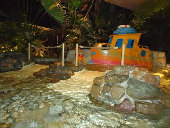 Kinderbecken foto van center parcs de huttenheugte dalen