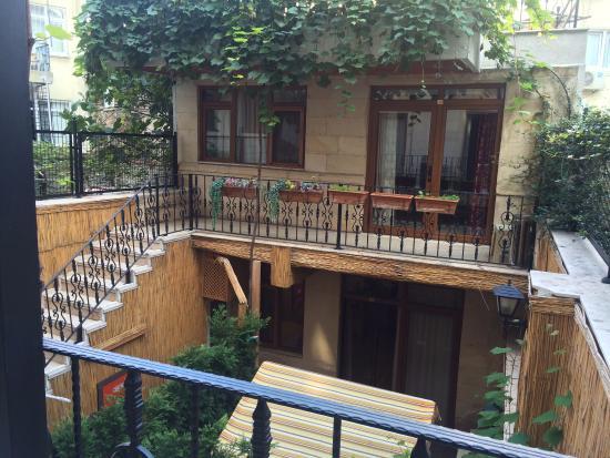 Saruhan Hotel: Blick aus dem zimmer