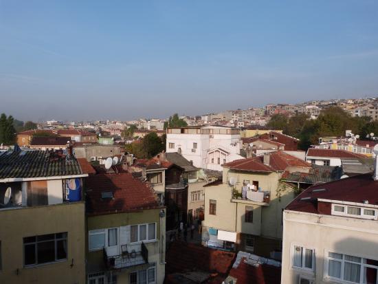 Saruhan Hotel: Blick von der Terrasse