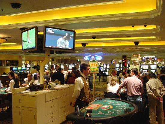 Red garder casino empire city casino gambling age