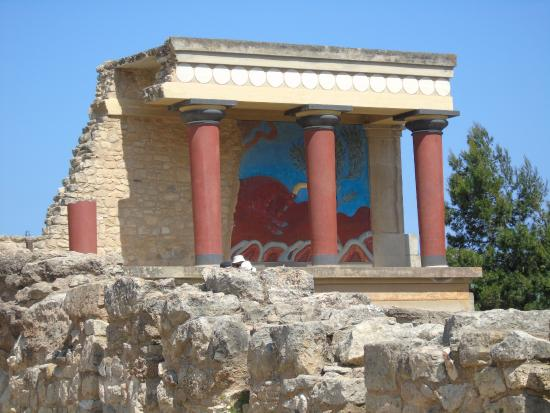 knossos - Picture of The Palace of Knossos, Heraklion ...