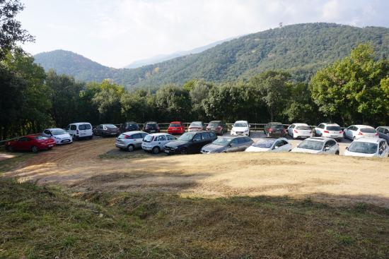 Castell de Montsoriu: Parking