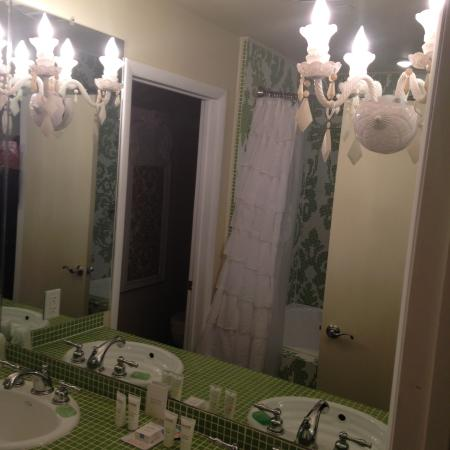 Roxbury, NY: Gorgeous bathroom