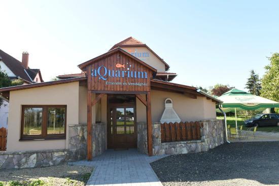 aQuarium Restaurant and Lodge