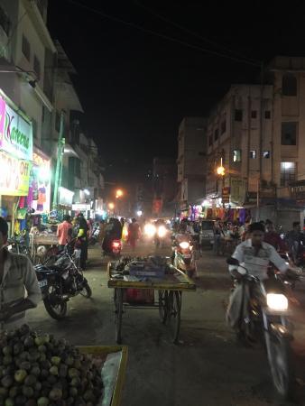 Gul Mandi Market