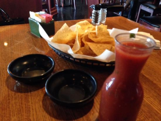 Don Jose's Grill: free chips and salsa