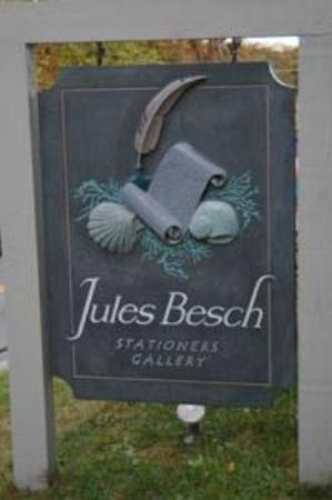 Truro, MA: Jules Besch Sign
