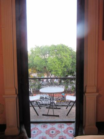Hostal Zocalo: Private room balcony overlooking Merida's main square