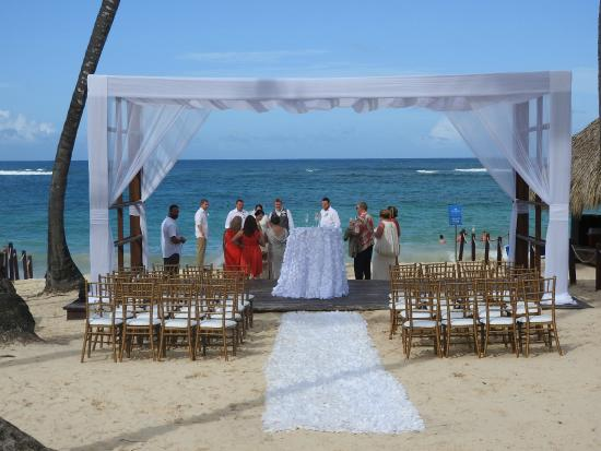 Royalton Punta Cana Resort Lovely Wedding