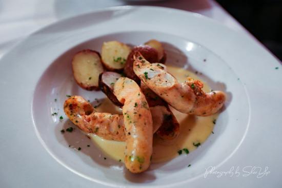 Cafe Bacchus : Salmon Scallop sausage