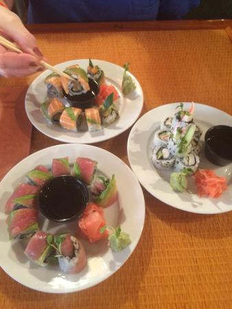 Timbers Restaurant and Fish Market: Freshly made sushi