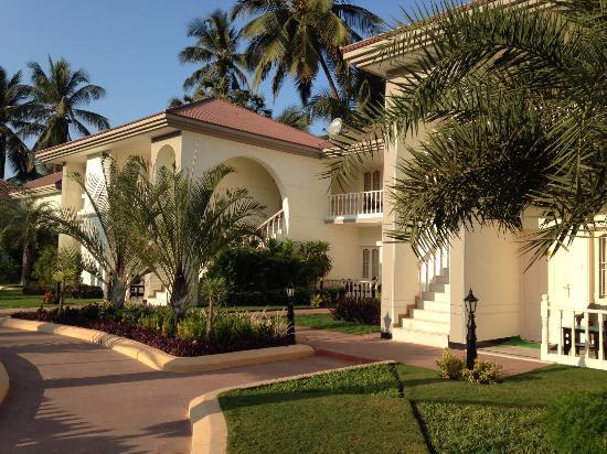 Radhika Beach Resort: Two storey cottages