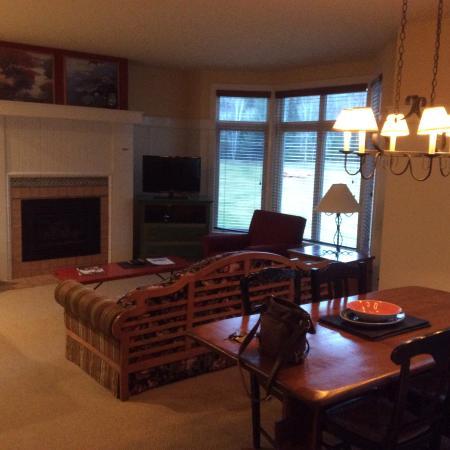 Club Intrawest - Tremblant: Living room