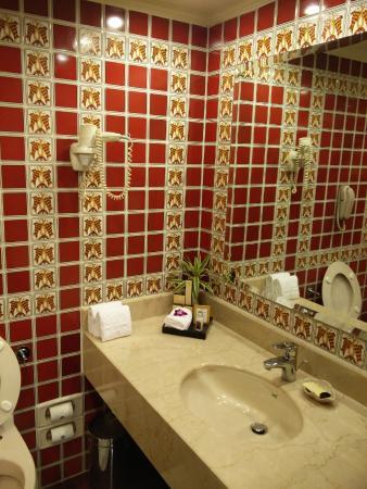 taj bengal kolkata bathroom - Bathroom Designs Kolkata