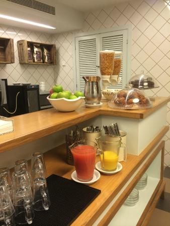 Embassy Hotel Tel Aviv: Breakfast Lounge