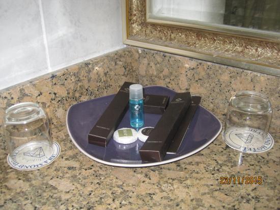Diamond Hotel: ванные принадлежности