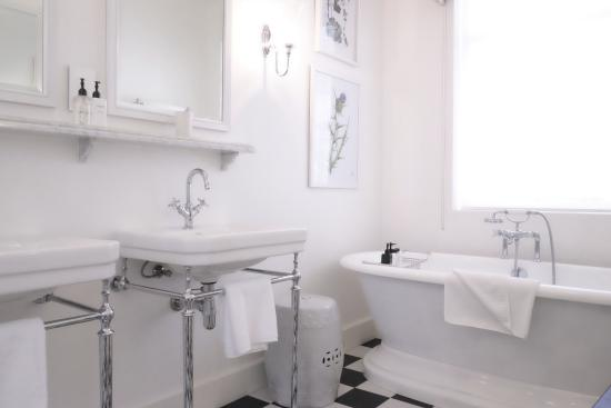 Art Deco Inspired Bathrooms Picture Of Drostdy Hotel Graaff