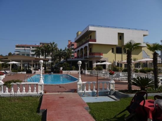 Golem, Albania: pool