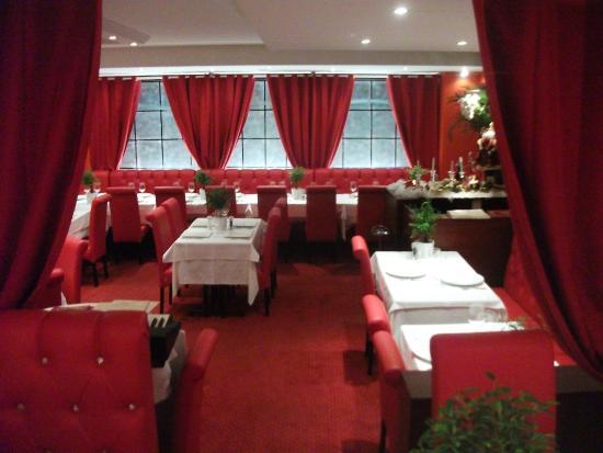 Salle de restaurant picture of la maison blanche bayeux for Restaurant la maison blanche toulouse