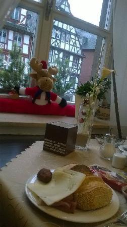 Hotel am Markt: Decorazioni natalizie a colazione
