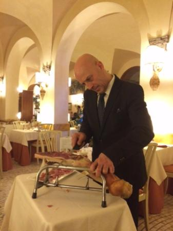 Hotel La Rosetta: Antonio - the best waiter i have seen for a long time-doing a brilliant job without speaking Eng
