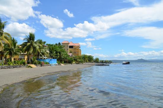 Территория отеля с моря