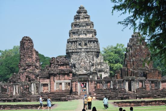 PHIMAI - Picture of Prasat Hin Phimai (Phimai Historical ...