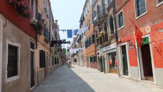 Telecom Italia Future Centre: Bario de venecia