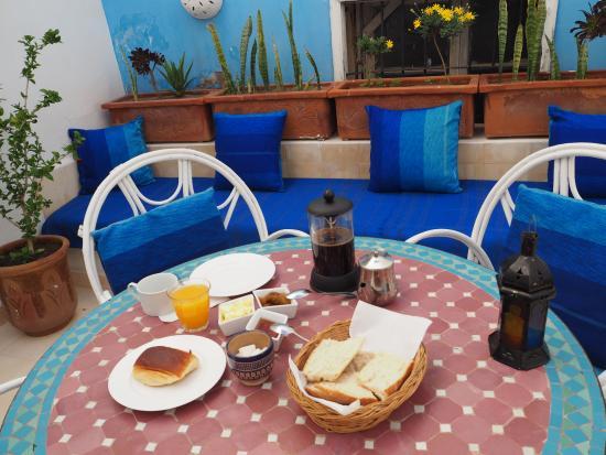 Dar Lazuli : 朝食