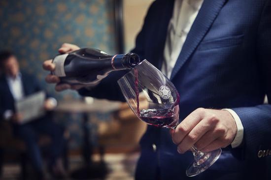 Carlton Ambassador Hotel: Drinks